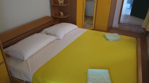 Apartment Toni 2.1,nr.2  in center of Jezera, Island Murter: