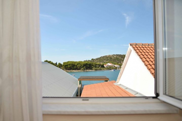 Apartment Ana for 5, Betina , Island Murter: