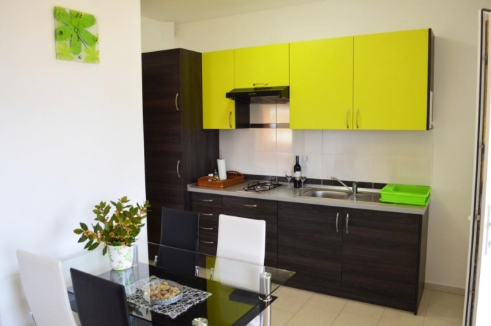 Apartment A1 yellow 2.2..