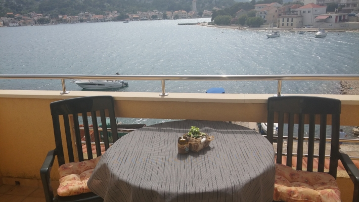 Apartment Zd. A. for two in Tisno, Island Murter